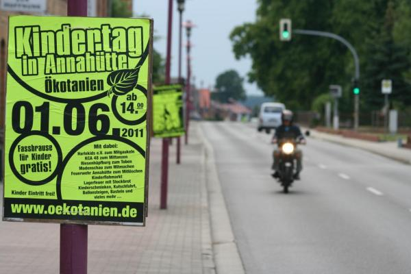 DIN A2 Plakate in Österreich Verteilen günstig online kaufen bei McPoster.com